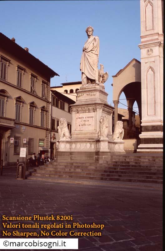 Firenze. Plustek OpticFilm 8200i (7200 dpi). FujiFilm Sensia 100