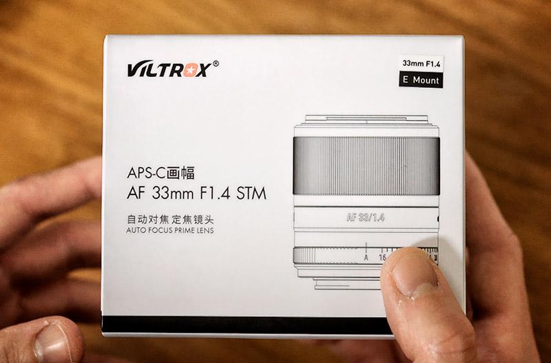 Viltrox 33 mm f/1.4 - confezione