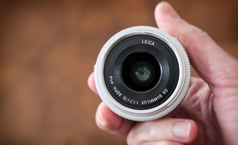 Leica 15 mm f/1.7: le dimensioni sono estremamente contenute