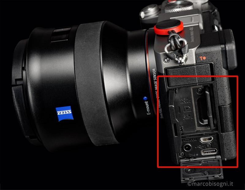 Sony A7C - Slot SD